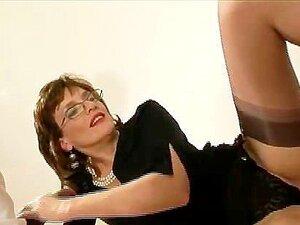 Superior dominatrix adult videos at NUESPOURNOUS.COM